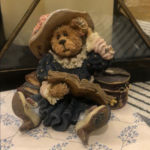 1999 BOYDS BEARS AND FRIENDS Prissy La Vogue